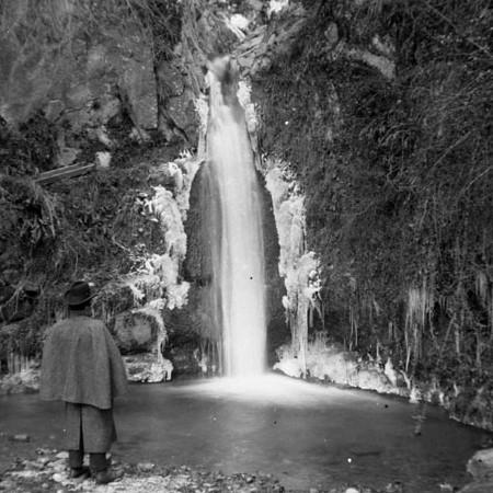 Cascata in Inverno 1901