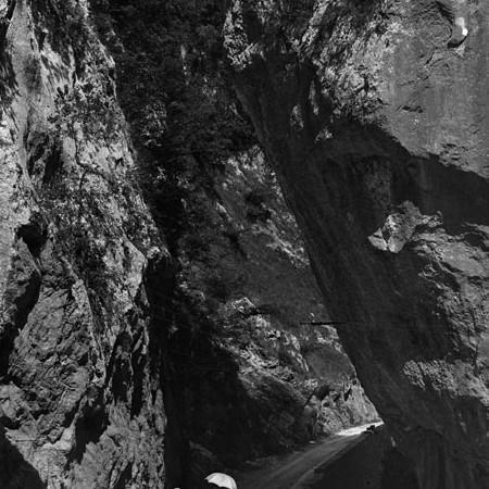 Scorcio della montagna attorno ad Equi Terme 1919