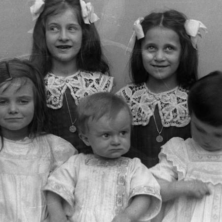 Luisina, Lina e Anna Bellegotti, Carola e Francesco Raffaelli 1912