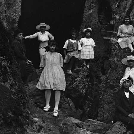 Gruppo delle donne di casa Bellegotti 1919