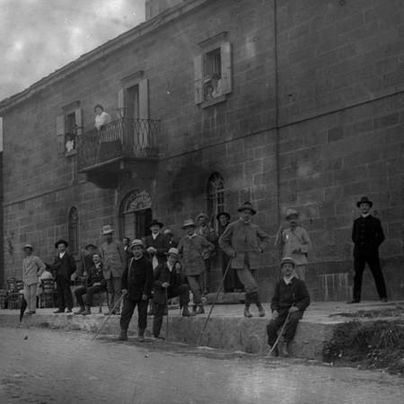Gruppo di gitanti al Passo di Centocroci 1905