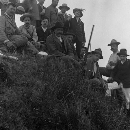 Gruppo di gitanti sul Monte Gottero 1905