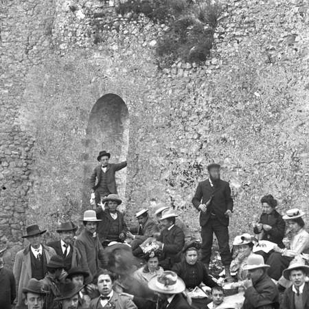 Gruppo di Gitanti al Castello di Licciana