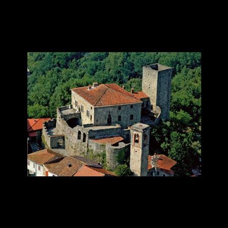 Vista aerea del castello e delle torri